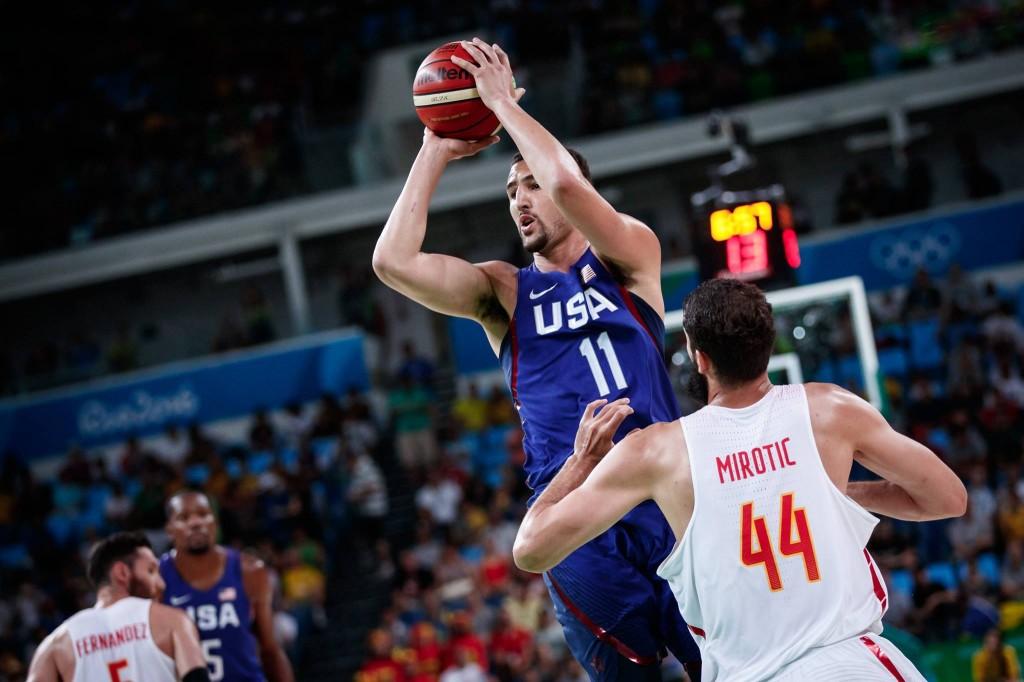 Bóng rổ Molten được các ngôi sao hàng đầu thế giới dùng để thi đấu những trận cầu đỉnh cao. Ảnh FIBA